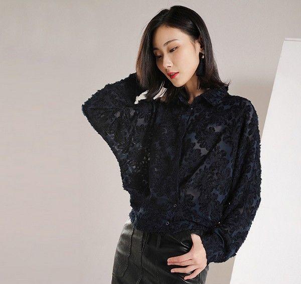 蕾丝钩花蝙蝠袖衬衫第1张